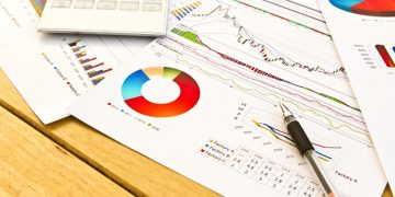 close-up-pen-financial-documents
