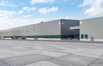 modern-factory-buildings-warehouses