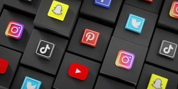 most-popular-social-media-icons-black-cubes